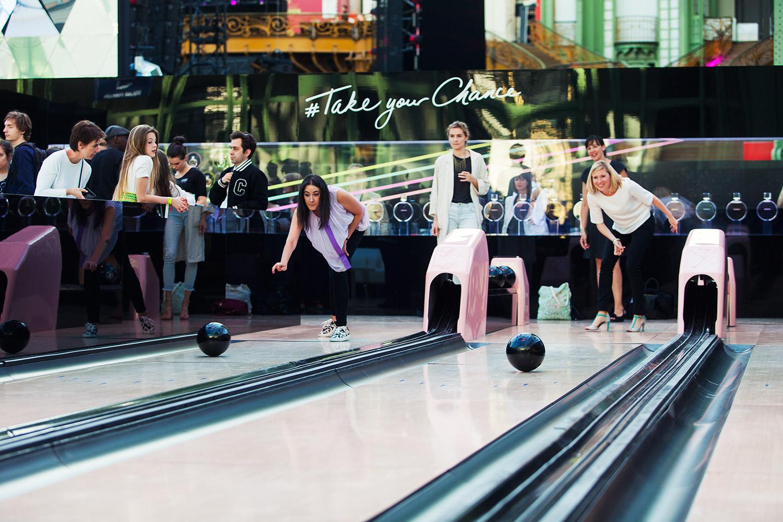 Triomf - Lebowski bowling Triomf chanel paradiso